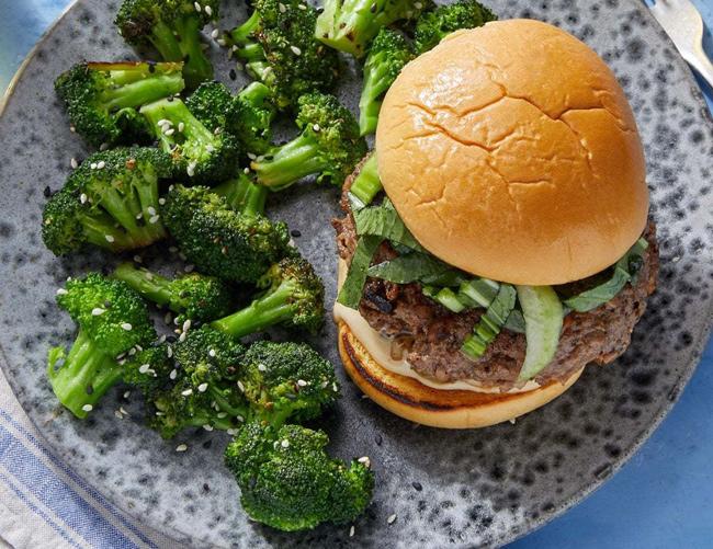 Blue Apron Shiitake & Hoisin Beef Burgers