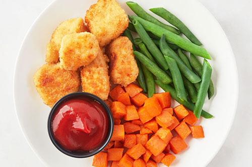 Chicken Bites with Green Beans & Roasted Sweet Potatoes Kid