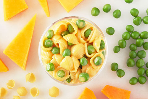 Mac & Cheese with Peas