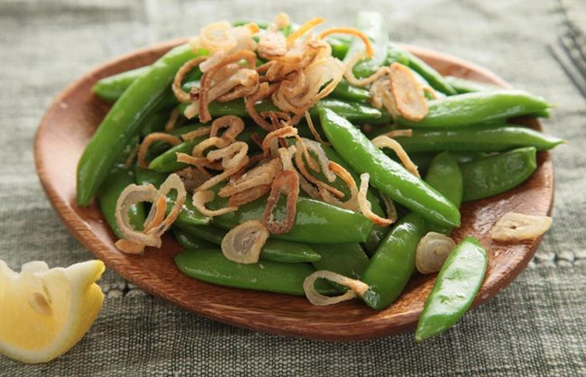 Farmbox Direct Snap Peas with Crispy Scallions