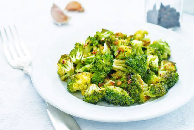 MamaSezz Garlic Ginger Broccoli on plate